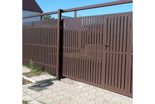 Как построить забор на даче из профнастила